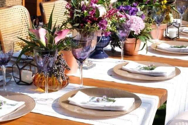 Casamento-na-praia-cerimonial-Raquel-Abdu-Buzios-mesa-convidados
