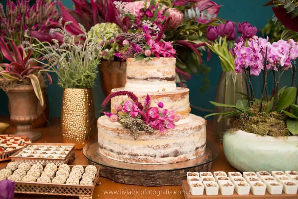 bolo-casamento-boho-Casamento-Daniella-e-Raphael-casamento-romântico-casamento-rústico-Espírito-Santo-Fotografia-Lívia-Batistine-mesa-de-doces-Pousada-Recanto-da-Pedra-casamento-6