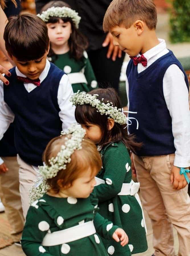 casamento-ao-ar-livre-casamento-boho-casamento-na-serra-cerimônia-daminhas-destination-wedding-fotografia-Rodrigo-Ryfer-pajens-POST-Rio-de-Janeiro-Tancamana-Vale-do-Cuiabá-casamento-18-e1535724133210