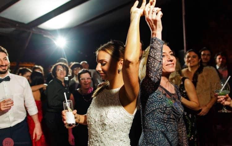 casamento-ao-ar-livre-casamento-boho-casamento-na-serra-destination-wedding-festa-fotografia-Rodrigo-Ryfer-Rio-de-Janeiro-Tancamana-Vale-do-Cuiabá-casamento-32-750x475
