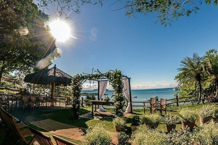 casamento-na-praia-cerimonia-de-dia-buzios-decor-cerimonia