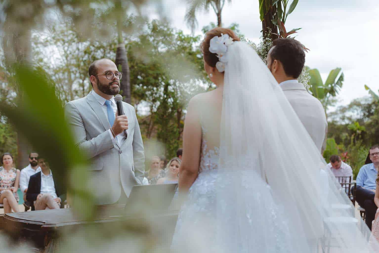 casamento-ao-ar-livre-casamento-boho-casamento-geek-casamento-rustico-casamento-Thais-e-Pedro-cerimônia-decor-cerimônia-Revoar-Fotografia-Villa-Borghese-Eventos-28