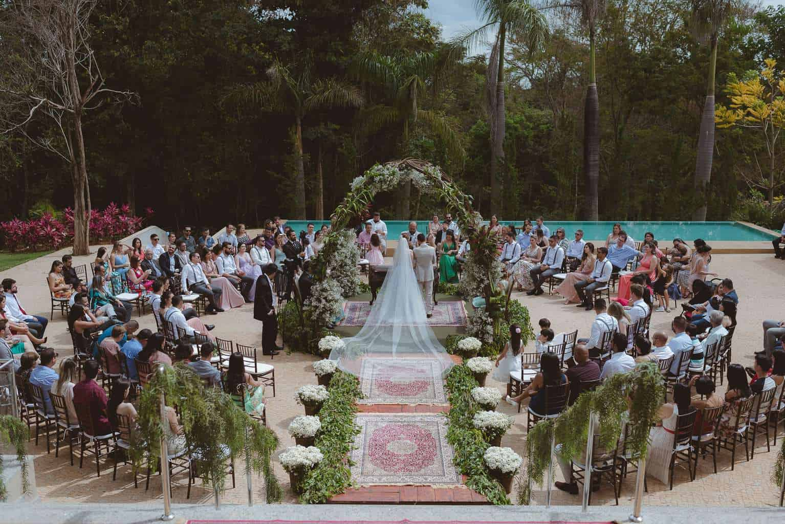 casamento-ao-ar-livre-casamento-boho-casamento-geek-casamento-rustico-casamento-Thais-e-Pedro-cerimônia-decor-cerimônia-Revoar-Fotografia-Villa-Borghese-Eventos-30
