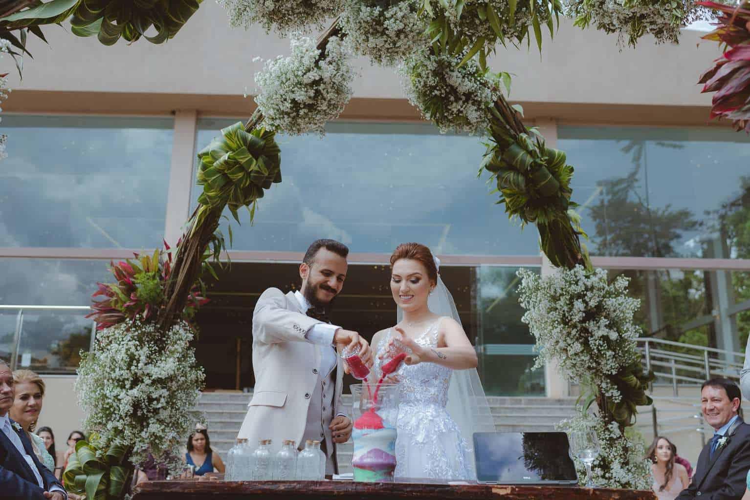 casamento-ao-ar-livre-casamento-boho-casamento-geek-casamento-rustico-casamento-Thais-e-Pedro-cerimônia-decor-cerimônia-Revoar-Fotografia-Villa-Borghese-Eventos-34