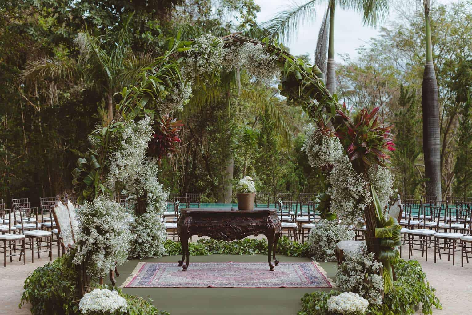 casamento-ao-ar-livre-casamento-boho-casamento-geek-casamento-rustico-casamento-Thais-e-Pedro-cerimônia-decor-cerimônia-Revoar-Fotografia-Villa-Borghese-Eventos-7