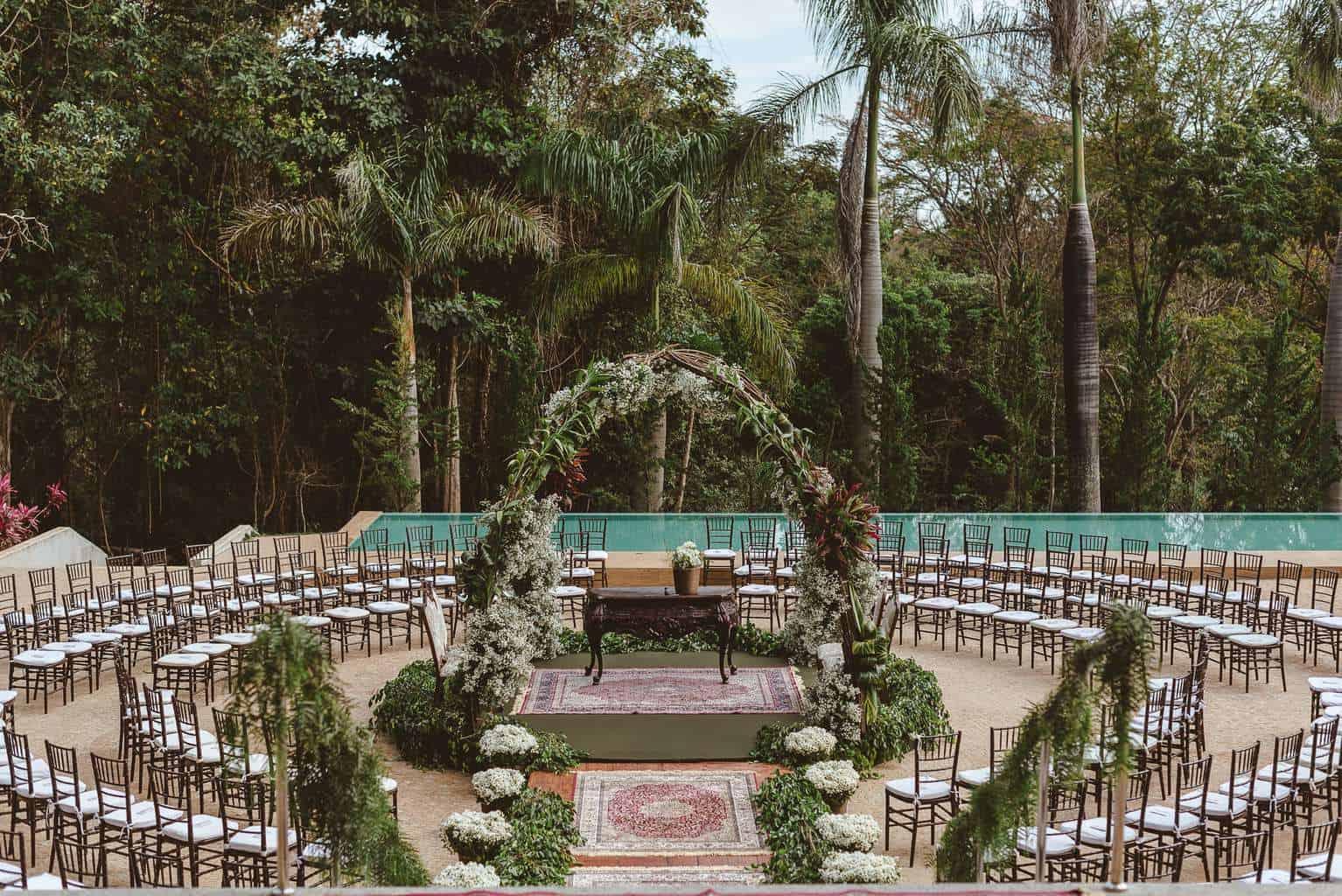 casamento-ao-ar-livre-casamento-boho-casamento-geek-casamento-rustico-casamento-Thais-e-Pedro-cerimônia-decor-cerimônia-decoração-Revoar-Fotografia-Villa-Borghese-Eventos-6