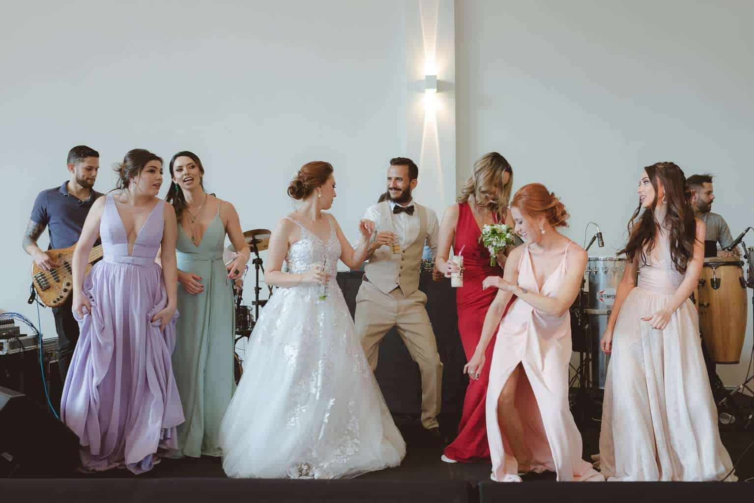 casamento-ao-ar-livre-casamento-boho-casamento-geek-casamento-rustico-casamento-Thais-e-Pedro-festa-Revoar-Fotografia-Villa-Borghese-Eventos-76