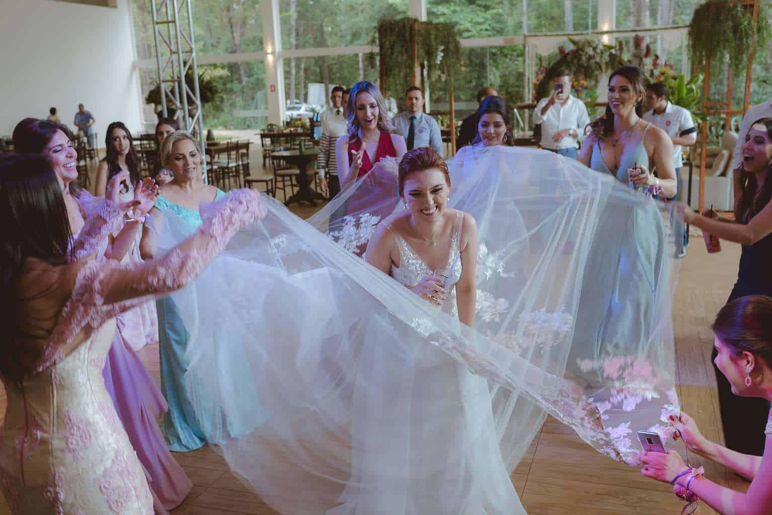 casamento-ao-ar-livre-casamento-boho-casamento-geek-casamento-rustico-casamento-Thais-e-Pedro-festa-Revoar-Fotografia-Villa-Borghese-Eventos-87