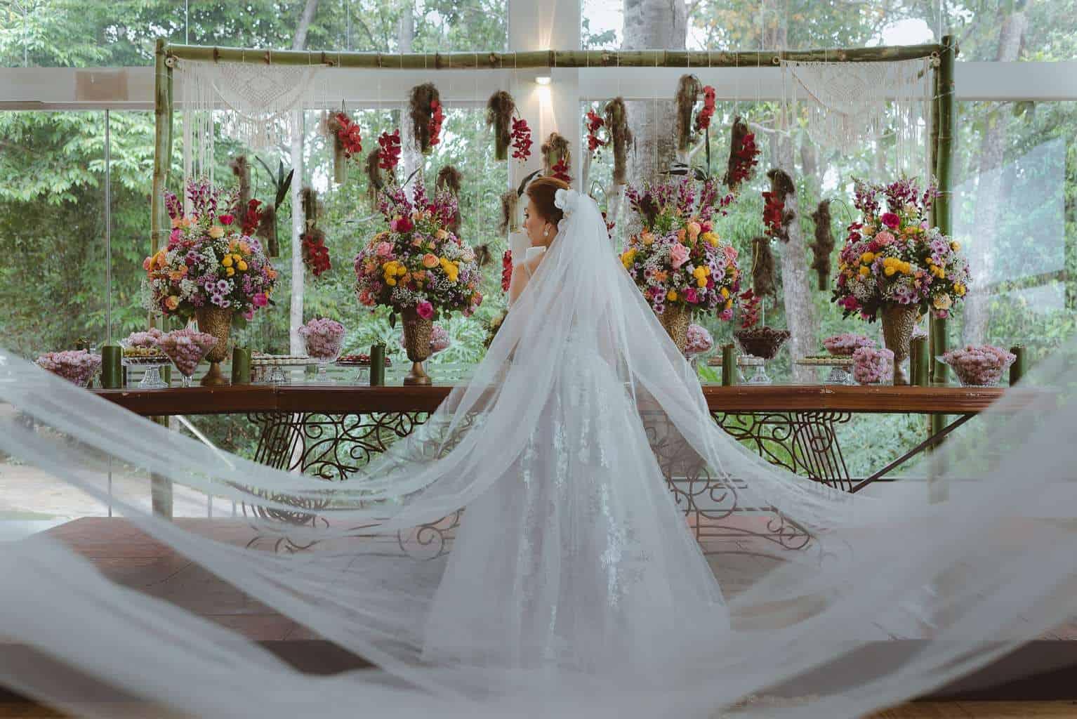 casamento-ao-ar-livre-casamento-boho-casamento-geek-casamento-rustico-casamento-Thais-e-Pedro-noiva-Revoar-Fotografia-Villa-Borghese-Eventos-53