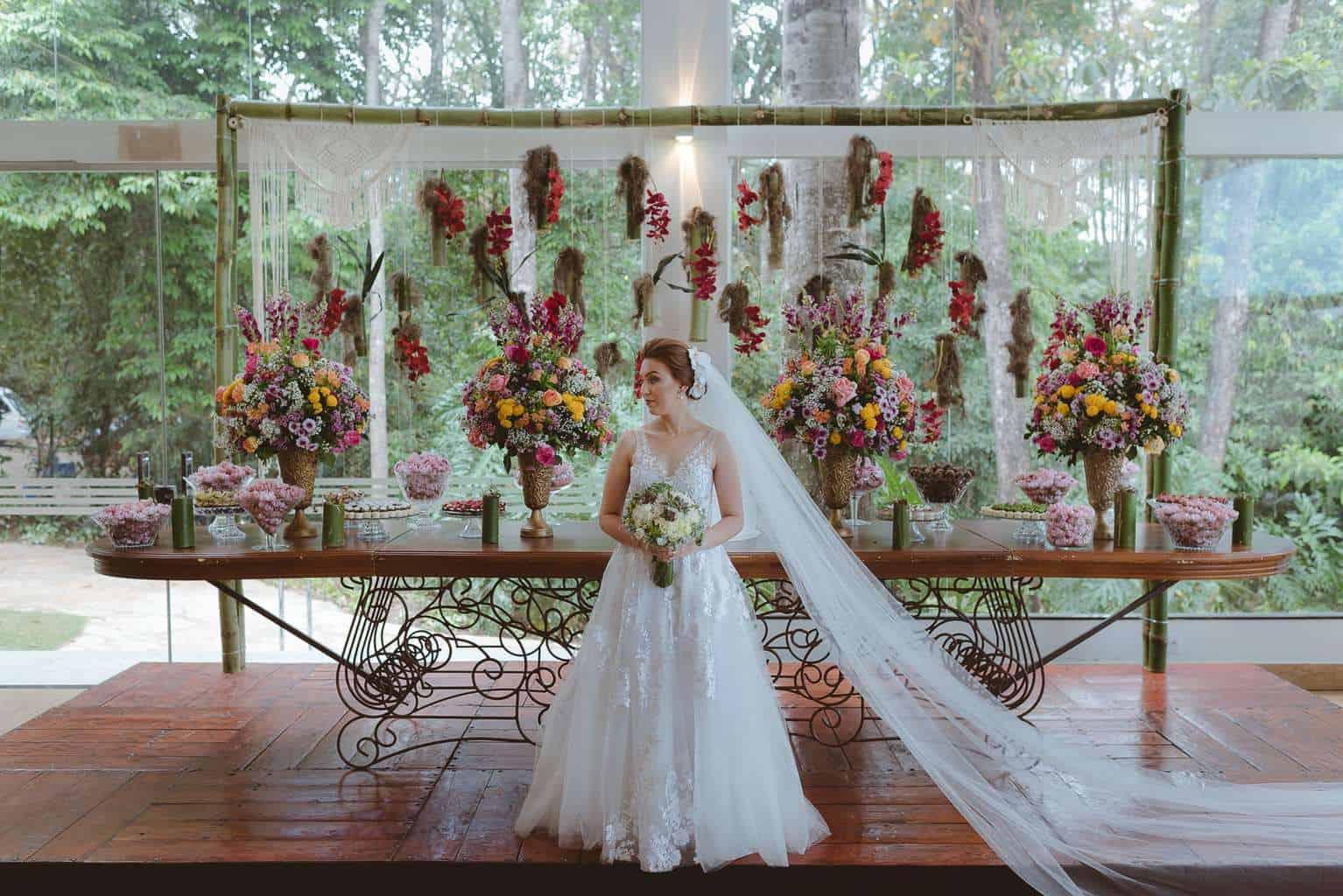 casamento-ao-ar-livre-casamento-boho-casamento-geek-casamento-rustico-casamento-Thais-e-Pedro-noiva-Revoar-Fotografia-Villa-Borghese-Eventos-54