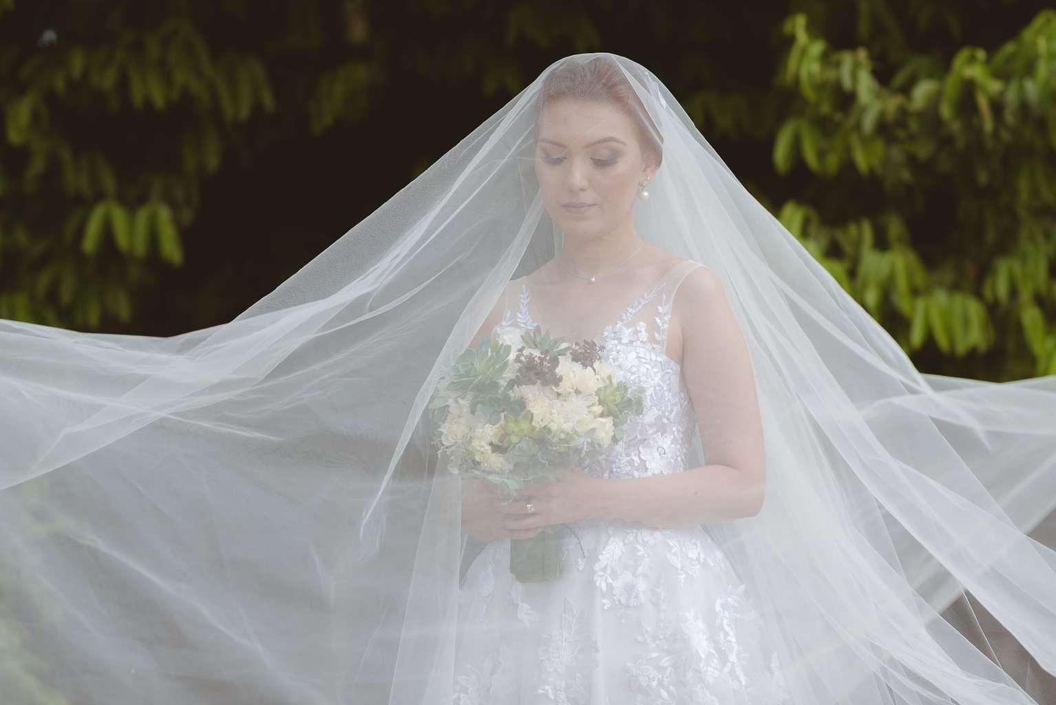 casamento-ao-ar-livre-casamento-boho-casamento-geek-casamento-rustico-casamento-Thais-e-Pedro-noiva-noivos-Revoar-Fotografia-Villa-Borghese-Eventos-45