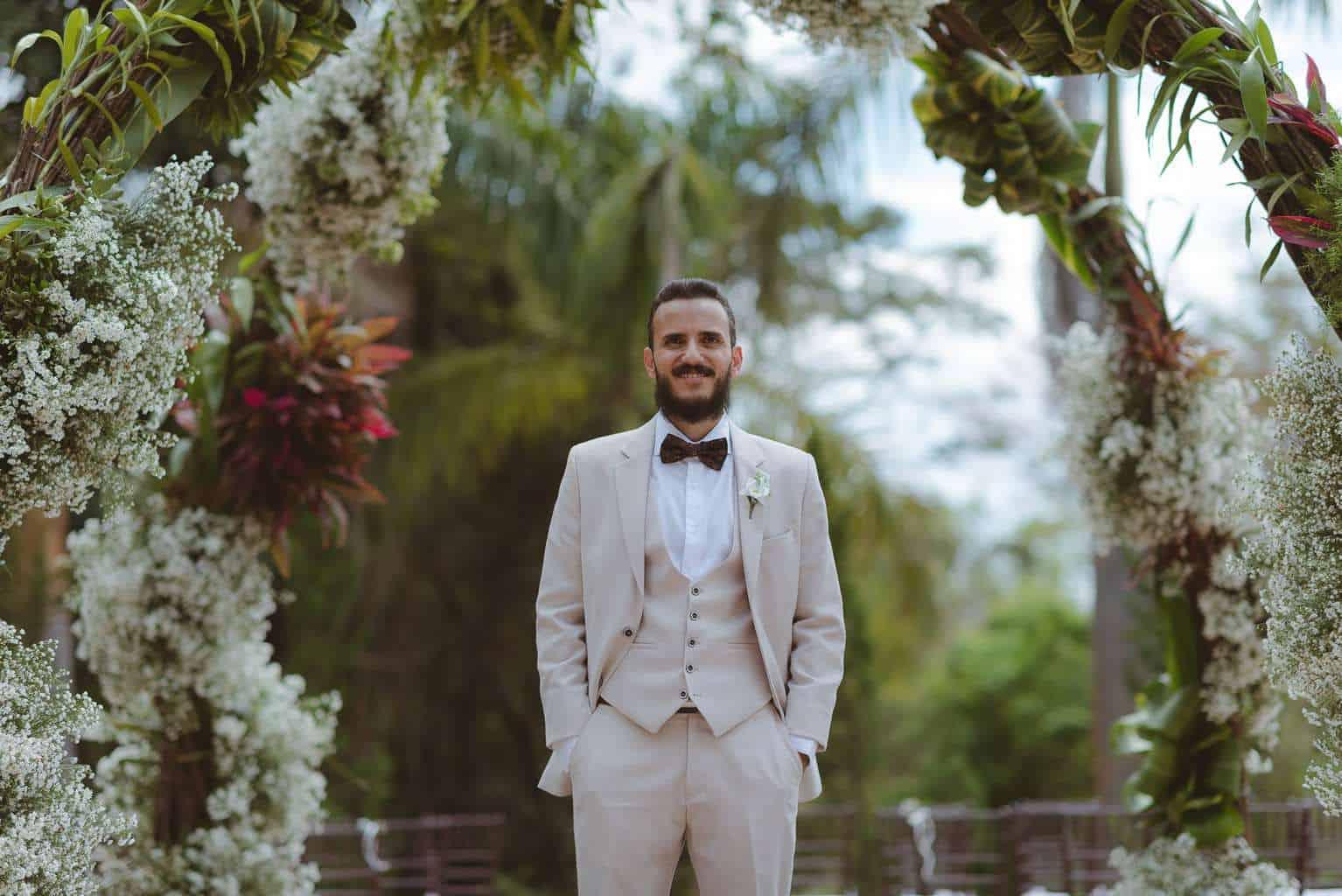 casamento-ao-ar-livre-casamento-boho-casamento-geek-casamento-rustico-casamento-Thais-e-Pedro-noivo-Revoar-Fotografia-Villa-Borghese-Eventos-40
