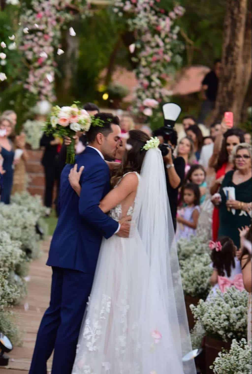 casamento-boho-Casamento-Nicolle-e-Pedro-casamento-rosa-Estalagem-Alter-Real-Fotografia-Estudio-Maria-Celia-Siqueira-Fotografia-Rosana-Sales-Goiania-Stories-15-e1537555600212