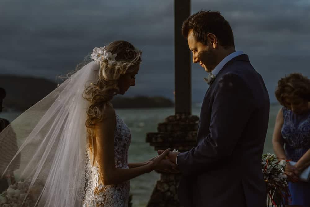 casamento-boho-chic-casamento-de-dia-casamento-na-praia-destination-wedding.-Ilhabela-Fazenda-São-Mathias-fotografia-João-Cappa-Thaiza-e-Márcio-casamento-48