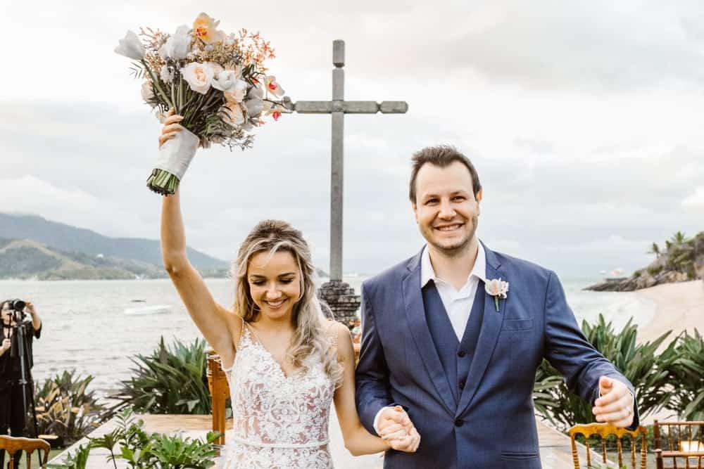 casamento-boho-chic-casamento-de-dia-casamento-na-praia-destination-wedding.-Ilhabela-Fazenda-São-Mathias-fotografia-João-Cappa-Thaiza-e-Márcio-casamento-58