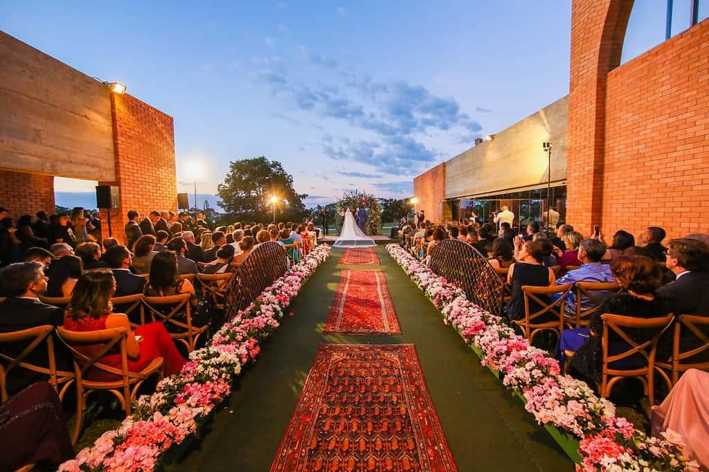 Brasiília-casamento-ao-ar-livre-casamento-boho-chique-casamento-de-dia-casamento-fernanda-e-hugo-cerimônia-decoração-rosa-Fotografia-Celso-Junior-Mansão-dos-Arcos-462