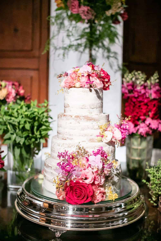 bolo-casamento-boho-chic-casamento-Luisa-e-David-decoração-rosa-pink-Fotografia-Rodrigo-Sack-Largo-do-Arruda-naked-cake-Rio-de-Janeiro-15
