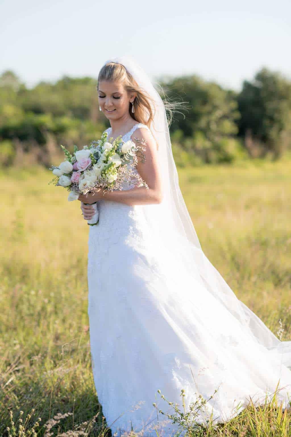 casamento-de-dia-casamento-Nicole-e-Thales-casamento-no-jardim-csasamento-ao-ar-livre-Fotografia-Marina-Fava-Galeria-Jardim-Rio-de-Janeiro-60