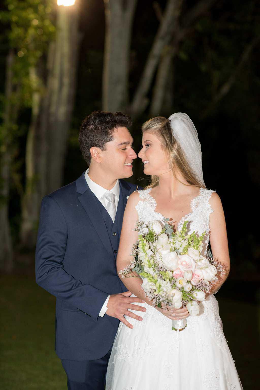 casamento-de-dia-casamento-Nicole-e-Thales-casamento-no-jardim-csasamento-ao-ar-livre-Fotografia-Marina-Fava-Galeria-Jardim-Rio-de-Janeiro-99
