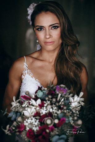 beleza-da-noiva-casamento-ao-ar-livre-casamento-de-dia-casamento-Maira-e-Erick-casamento-na-praia-Fotografia-Filipe-Paes-Studio-47-Luaia-Cabanas-Maresias-noiva-São-Paulo-40-1