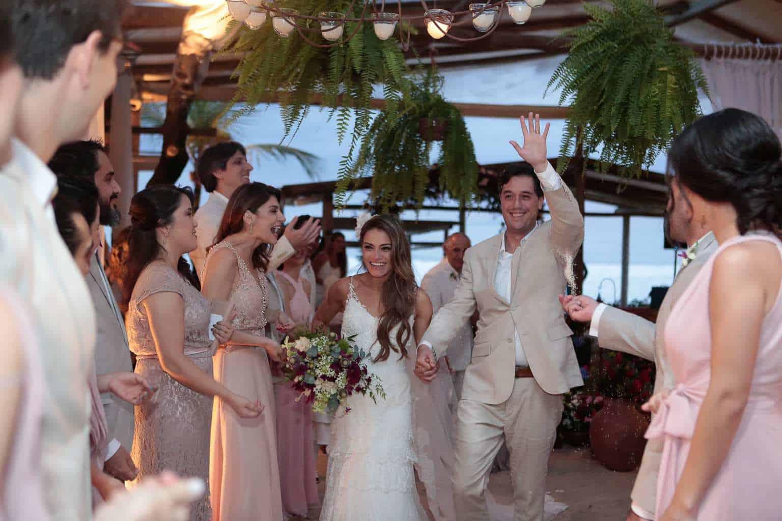 casamento-ao-ar-livre-casamento-de-dia-casamento-Maira-e-Erick-casamento-na-praia-Fotografia-Filipe-Paes-Studio-47-Luaia-Cabanas-Maresias-São-Paulo-7
