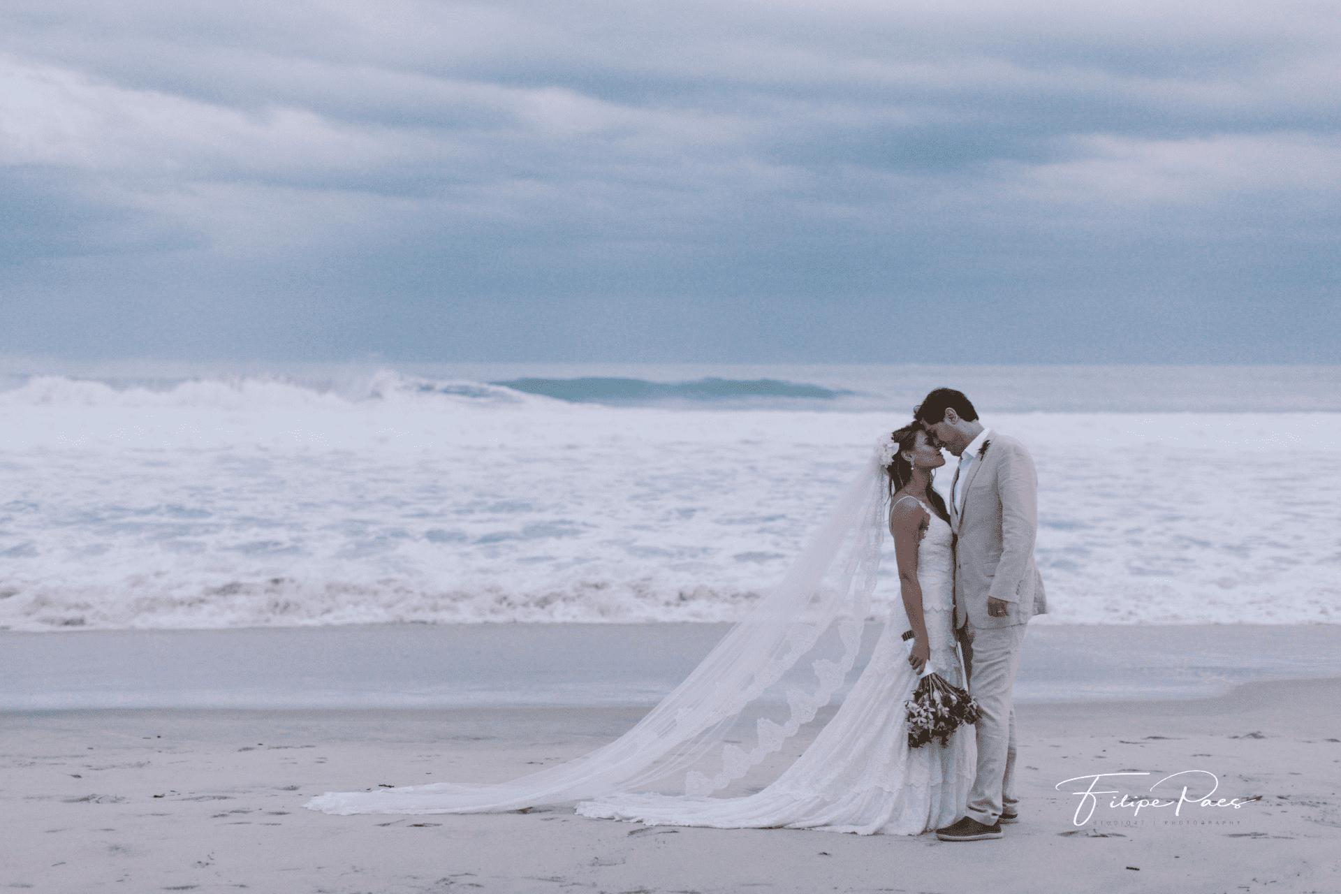 casamento-ao-ar-livre-casamento-de-dia-casamento-Maira-e-Erick-casamento-na-praia-Fotografia-Filipe-Paes-Studio-47-fotos-do-casal-Luaia-Cabanas-Maresias