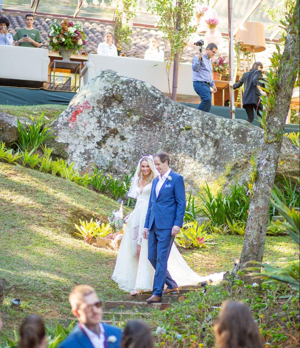 casamento-babi-e-Marcos-casamento-de-dia-casamento-ao-ar-livre-rio-de-janeiro-fotografia-Rodrigo-Sack-cerimonia-20-e1545408096517