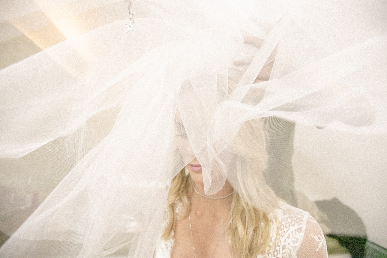 casamento-babi-e-Marcos-casamento-de-dia-casamento-ao-ar-livre-rio-de-janeiro-fotografia-Rodrigo-Sack-making-of-vestido-44