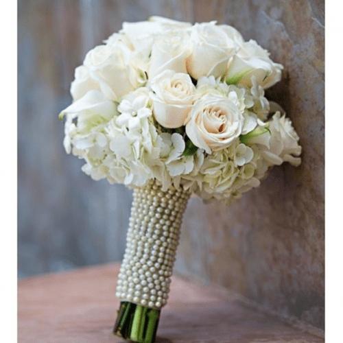 2-casamento-buque-de-noiva-angela-silveira-redondo-bolinha-flores-rosas-brancas