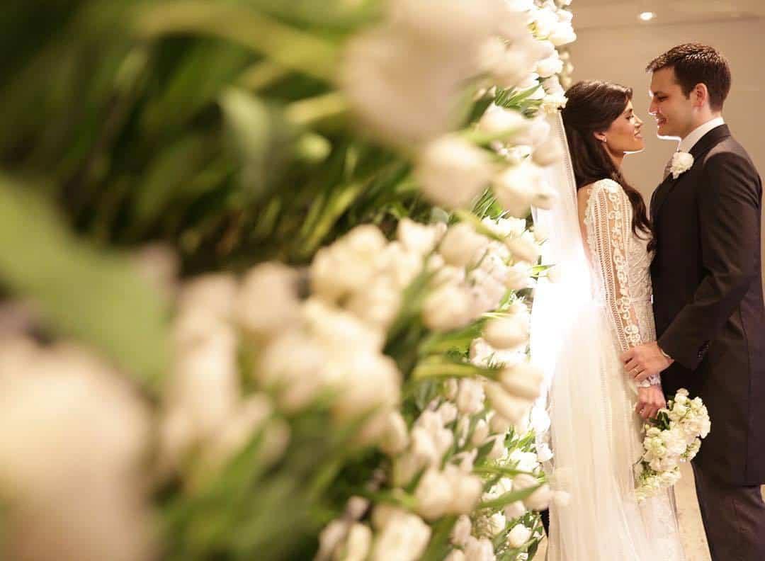 NOIVOS-TULIPAS-casamento-clássico-tradicional-buffet-fasano-Igreja-São-José-São-Paulo-Fotografia-Cissa-e-Euka-Weddings-5