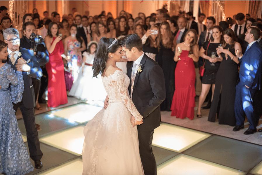 casamento-clássico-casamento-Giulia-e-Bernardo-Fotografoa-Marina-Fava-dança