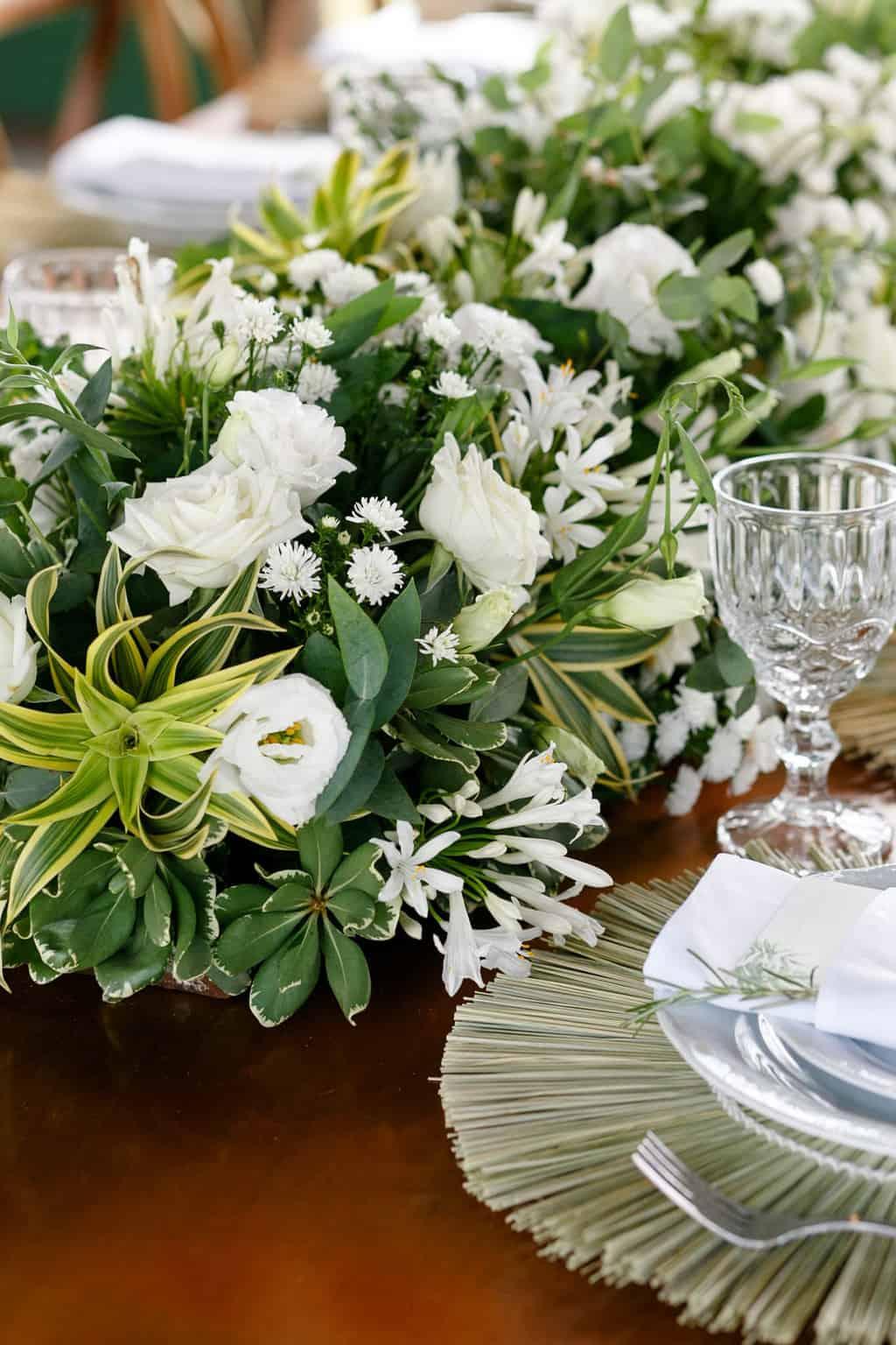 AL-Aline-e-Mauricio-bolo-de-casamento-capela-dos-milagres-casamento-casamento-na-praia-decoracao-de-casamento19-1
