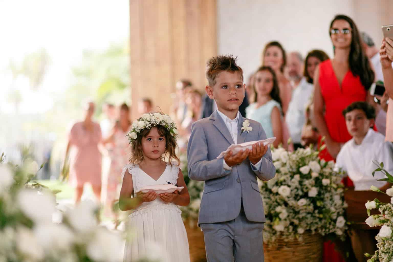 AL-Aline-e-Mauricio-capela-dos-milagres-casamento-casamento-na-praia-cerimonia-na-igreja-damas-daminhas-noivos-na-igreja-pajem84-1