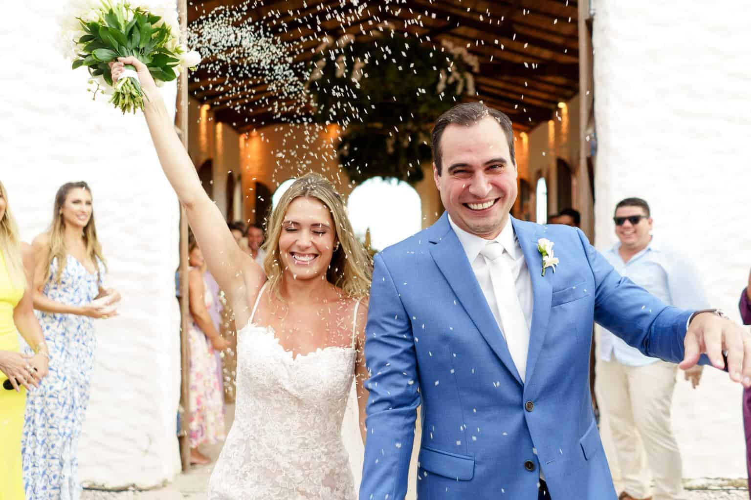 AL-Aline-e-Mauricio-capela-dos-milagres-casamento-casamento-na-praia-cerimonia-na-igreja-noivos-na-igreja-saida-dos-noivos100-1