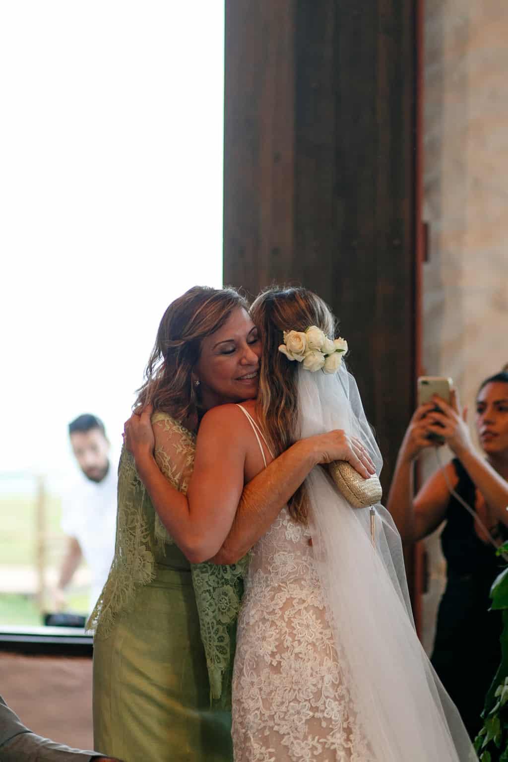 AL-Aline-e-Mauricio-capela-dos-milagres-casamento-casamento-na-praia-cerimonia-na-igreja-noivos-na-igreja89