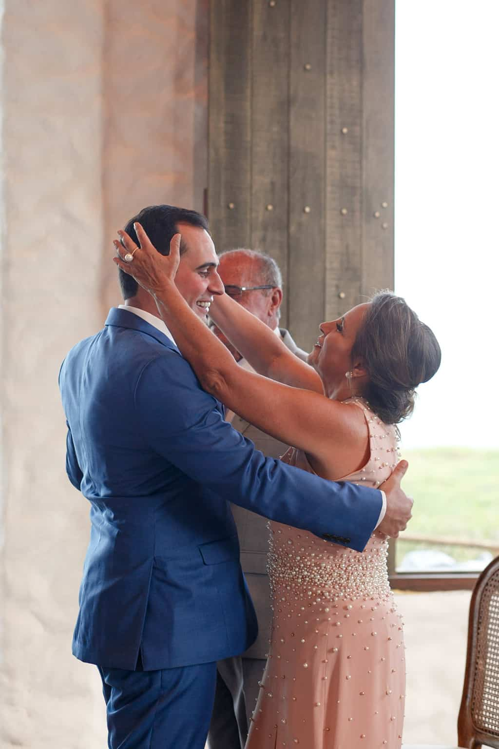 AL-Aline-e-Mauricio-capela-dos-milagres-casamento-casamento-na-praia-cerimonia-na-igreja-noivos-na-igreja90