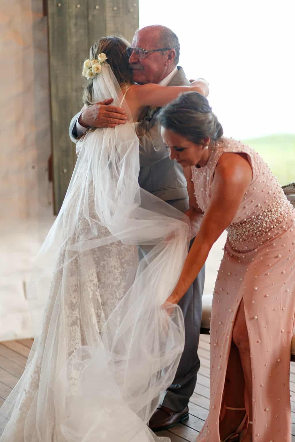 AL-Aline-e-Mauricio-capela-dos-milagres-casamento-casamento-na-praia-cerimonia-na-igreja-noivos-na-igreja92