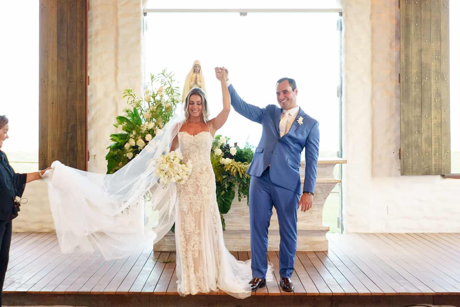AL-Aline-e-Mauricio-capela-dos-milagres-casamento-casamento-na-praia-cerimonia-na-igreja-noivos-na-igreja96