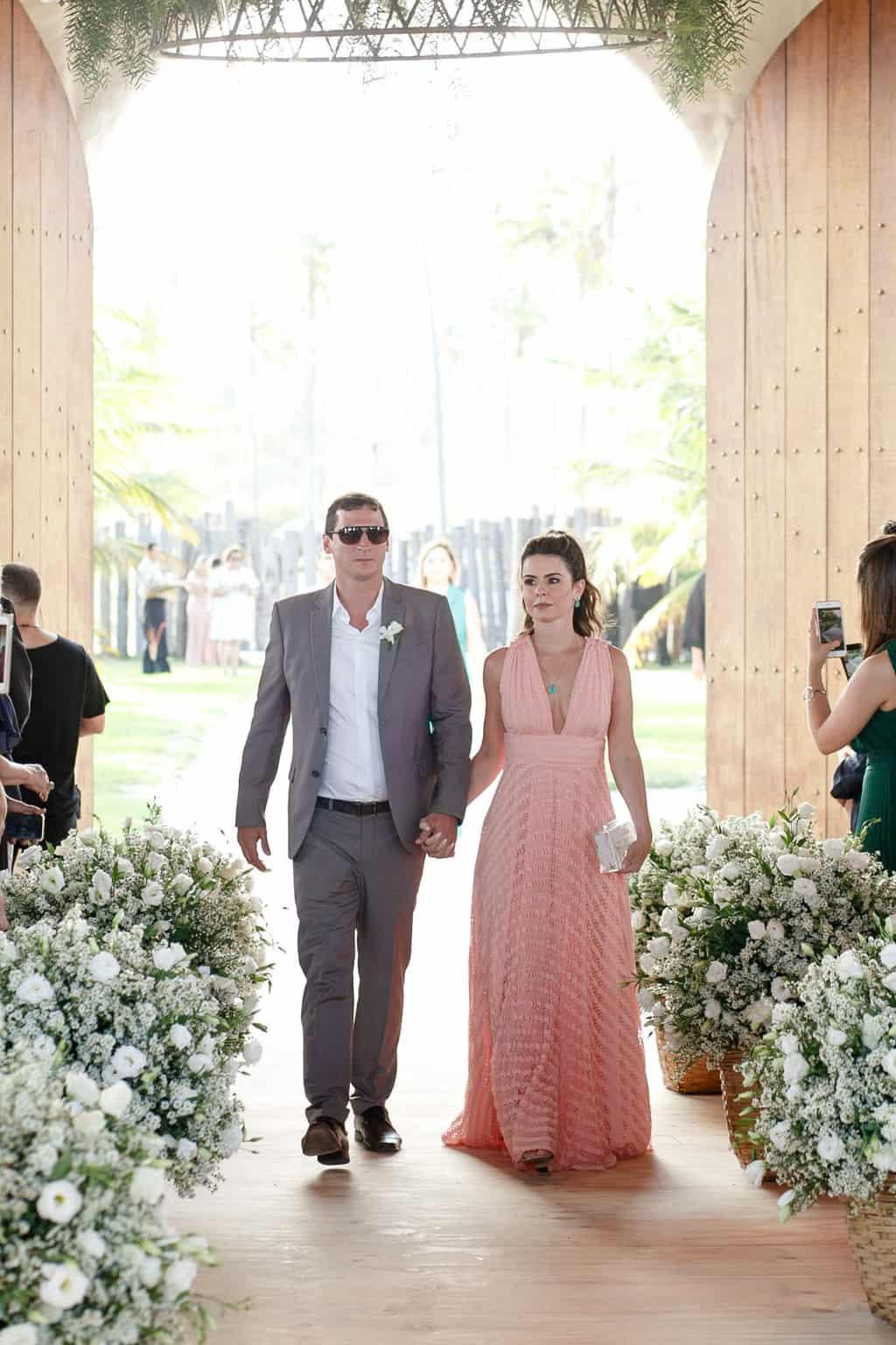 AL-Aline-e-Mauricio-capela-dos-milagres-casamento-casamento-na-praia-cortejo-madrinhas-padrinhos38