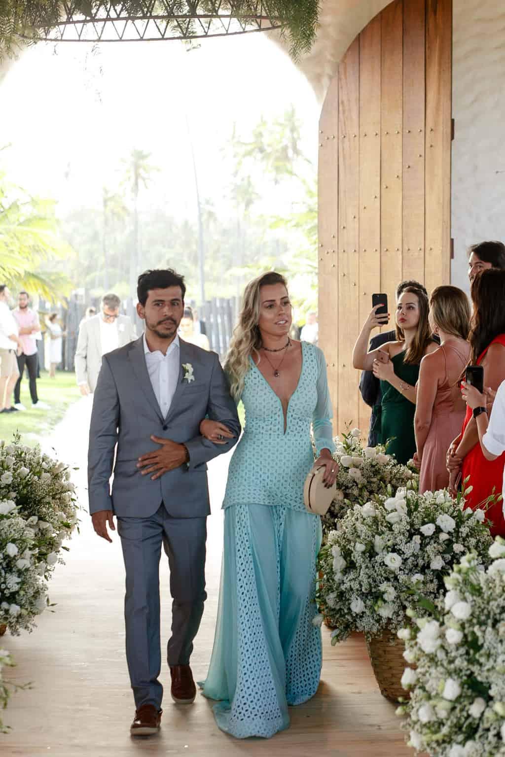 AL-Aline-e-Mauricio-capela-dos-milagres-casamento-casamento-na-praia-cortejo-madrinhas-padrinhos44