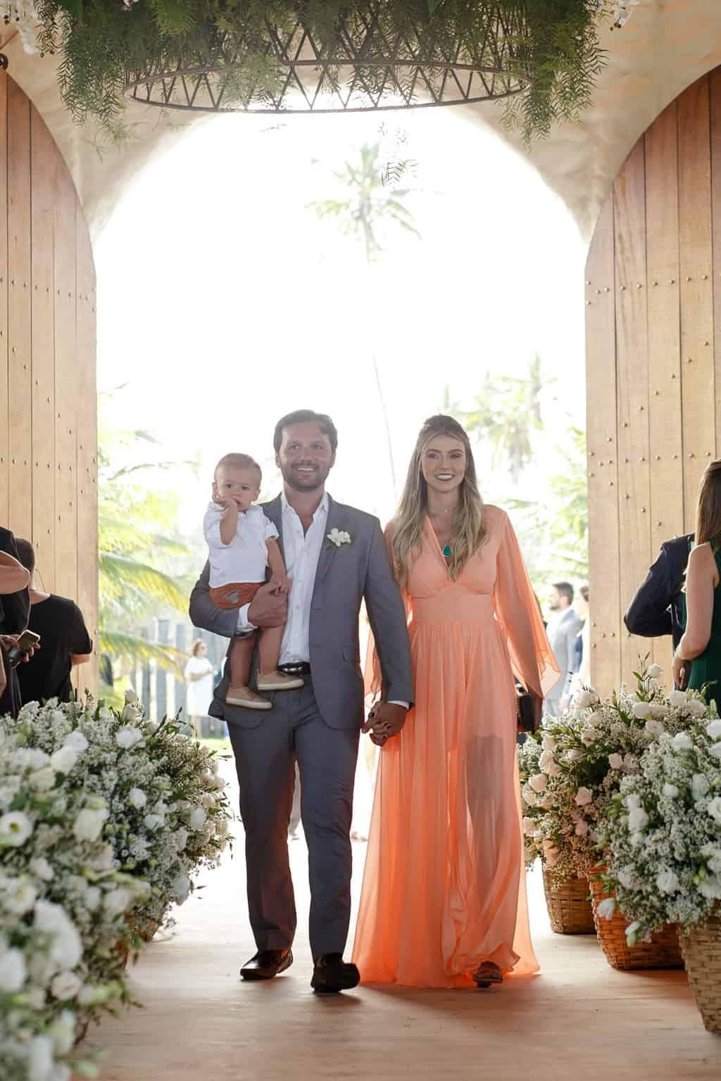 AL-Aline-e-Mauricio-capela-dos-milagres-casamento-casamento-na-praia-cortejo-madrinhas-padrinhos46