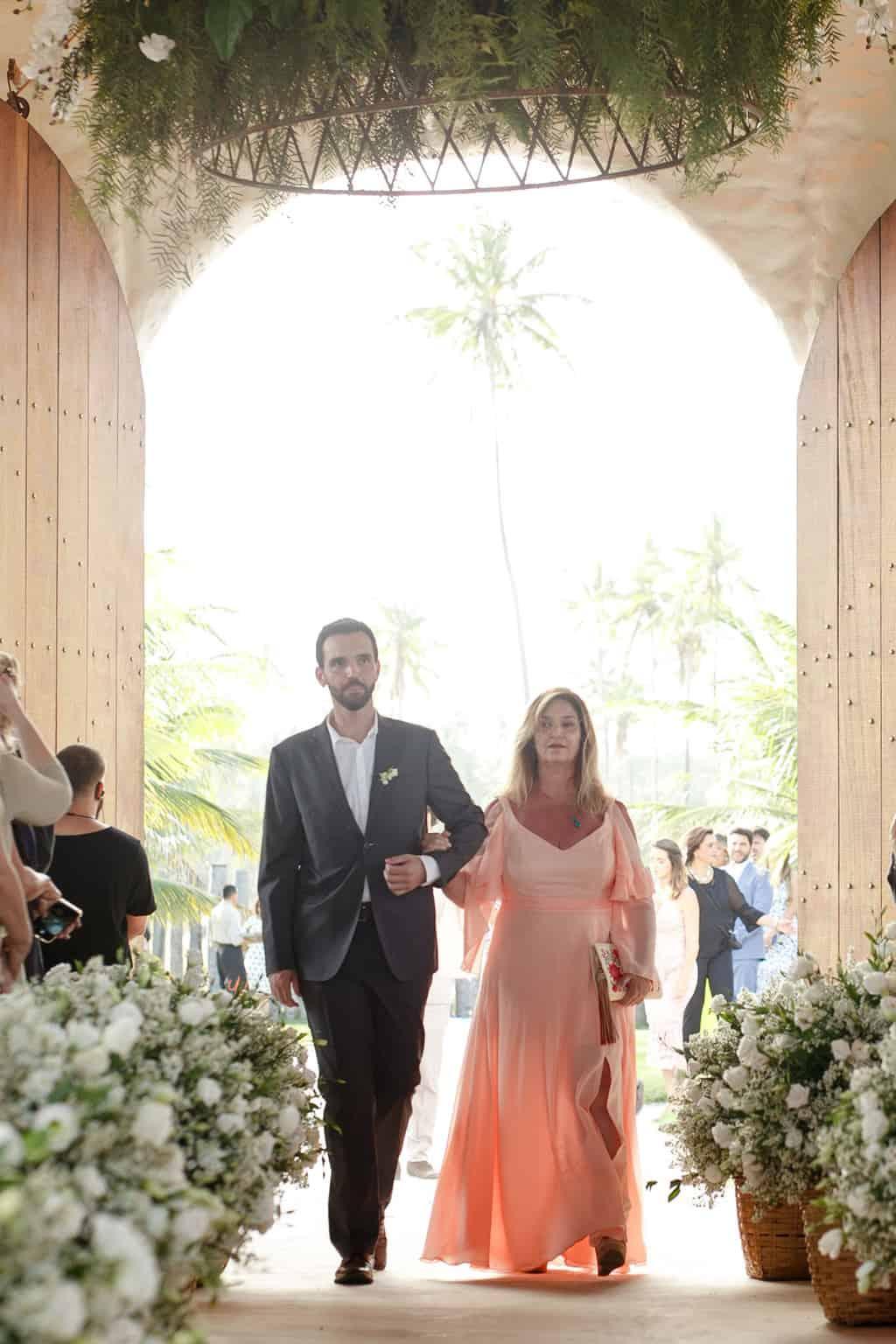AL-Aline-e-Mauricio-capela-dos-milagres-casamento-casamento-na-praia-cortejo-madrinhas-padrinhos49