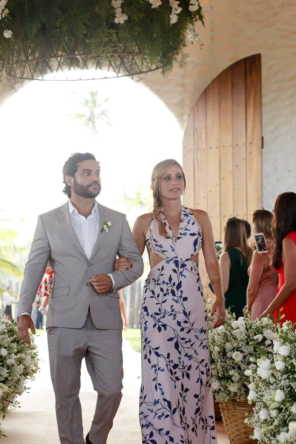 AL-Aline-e-Mauricio-capela-dos-milagres-casamento-casamento-na-praia-cortejo-madrinhas-padrinhos50