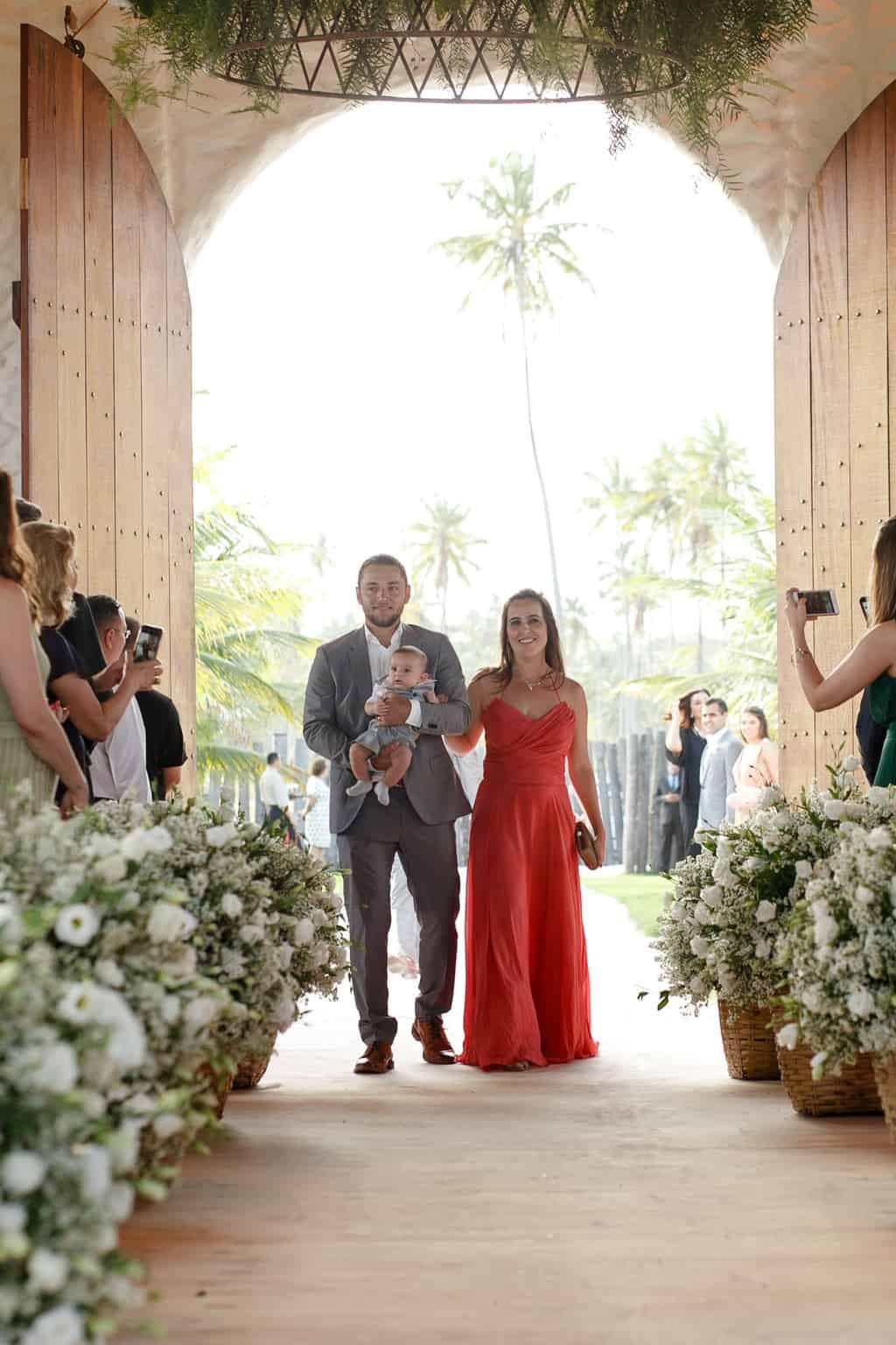 AL-Aline-e-Mauricio-capela-dos-milagres-casamento-casamento-na-praia-cortejo-madrinhas-padrinhos52