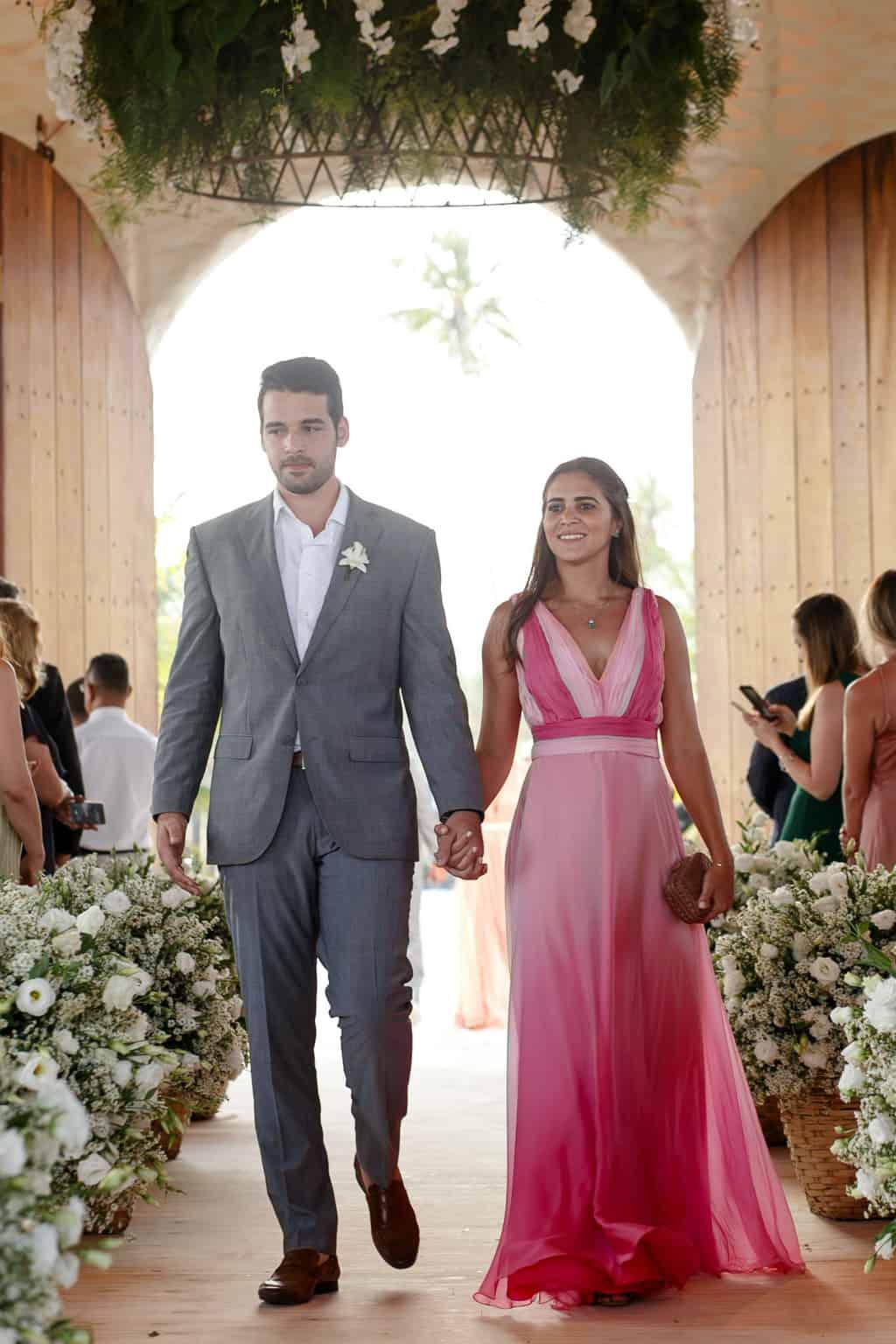AL-Aline-e-Mauricio-capela-dos-milagres-casamento-casamento-na-praia-cortejo-madrinhas-padrinhos53