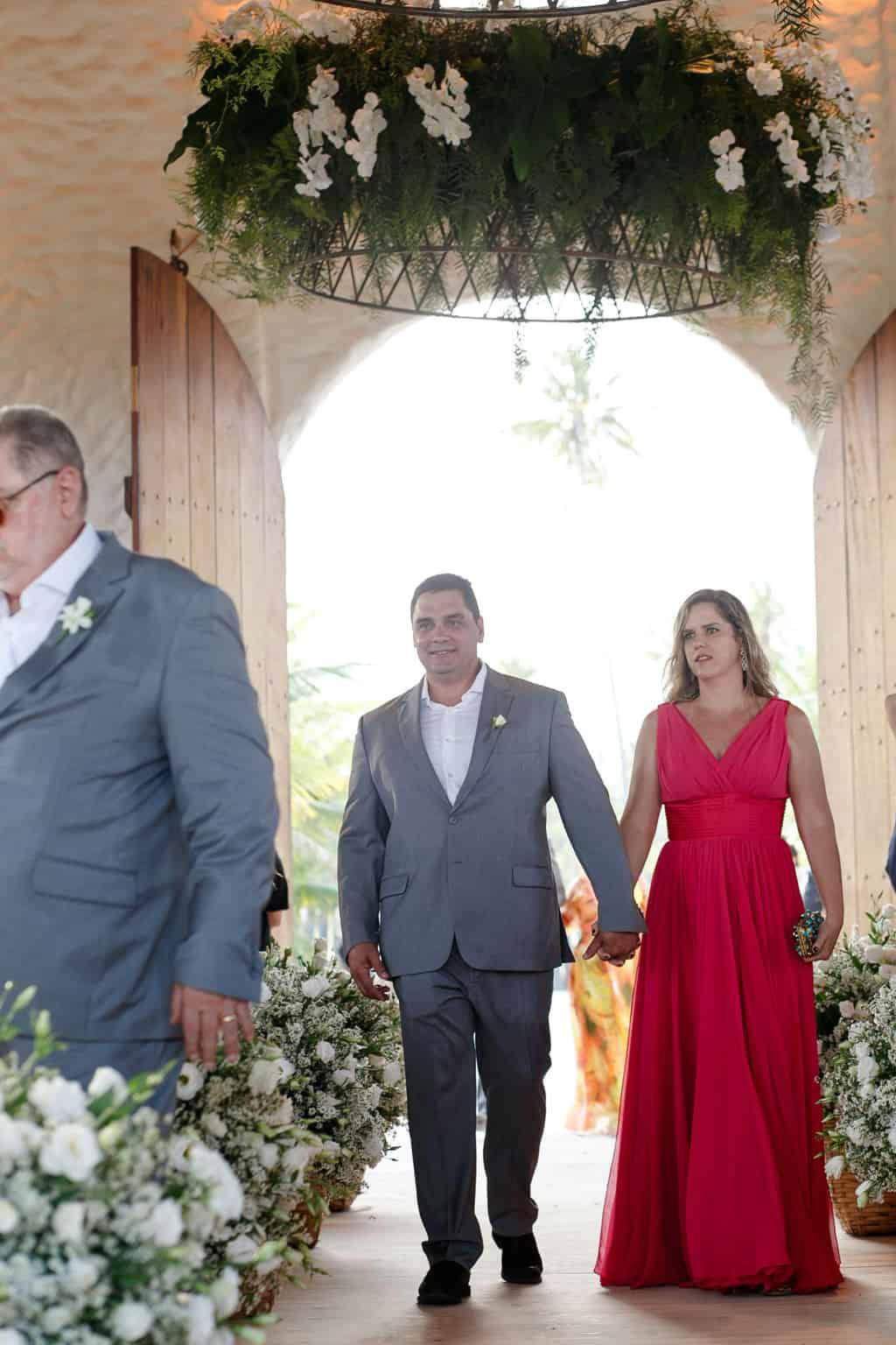 AL-Aline-e-Mauricio-capela-dos-milagres-casamento-casamento-na-praia-cortejo-madrinhas-padrinhos56