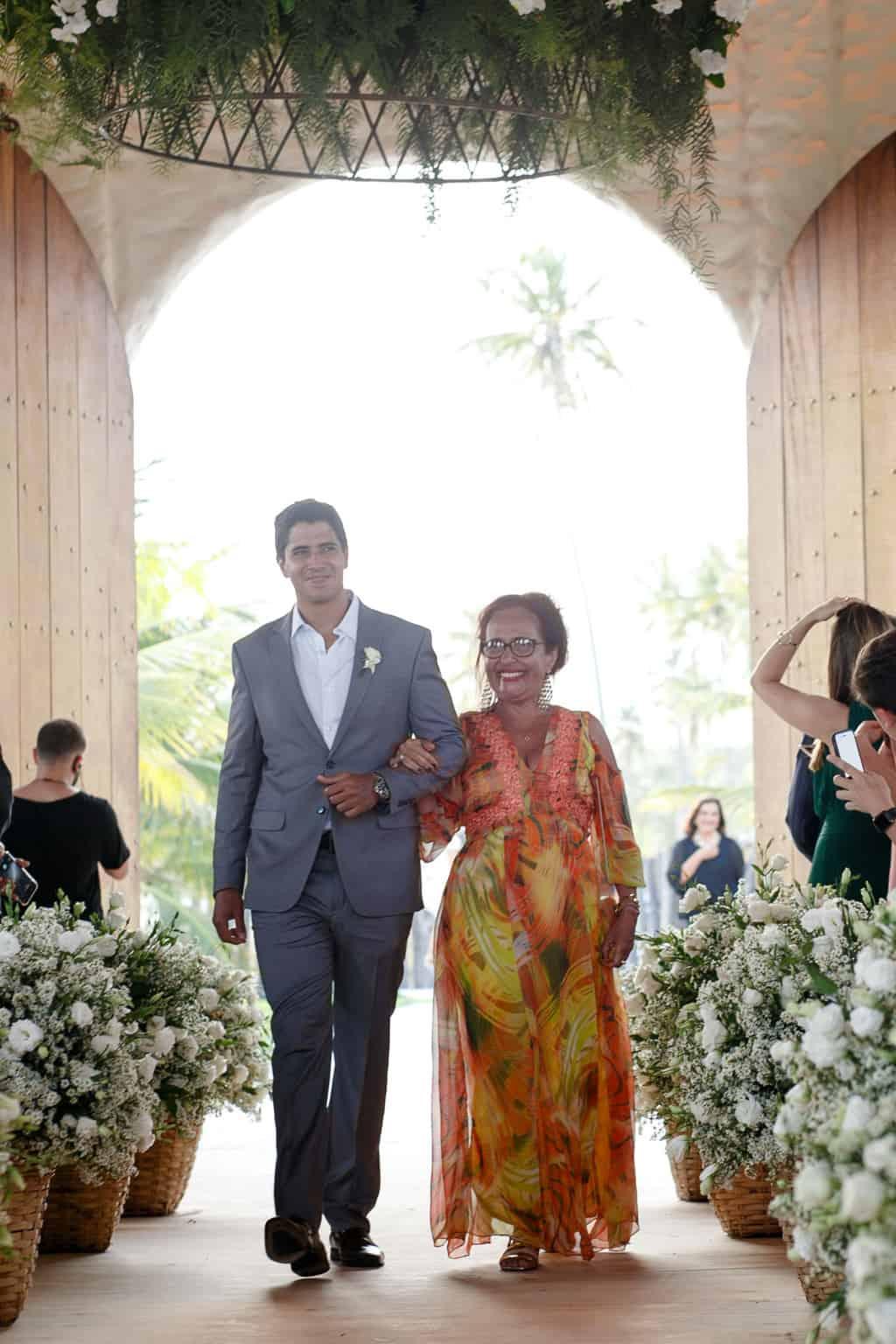 AL-Aline-e-Mauricio-capela-dos-milagres-casamento-casamento-na-praia-cortejo-madrinhas-padrinhos57