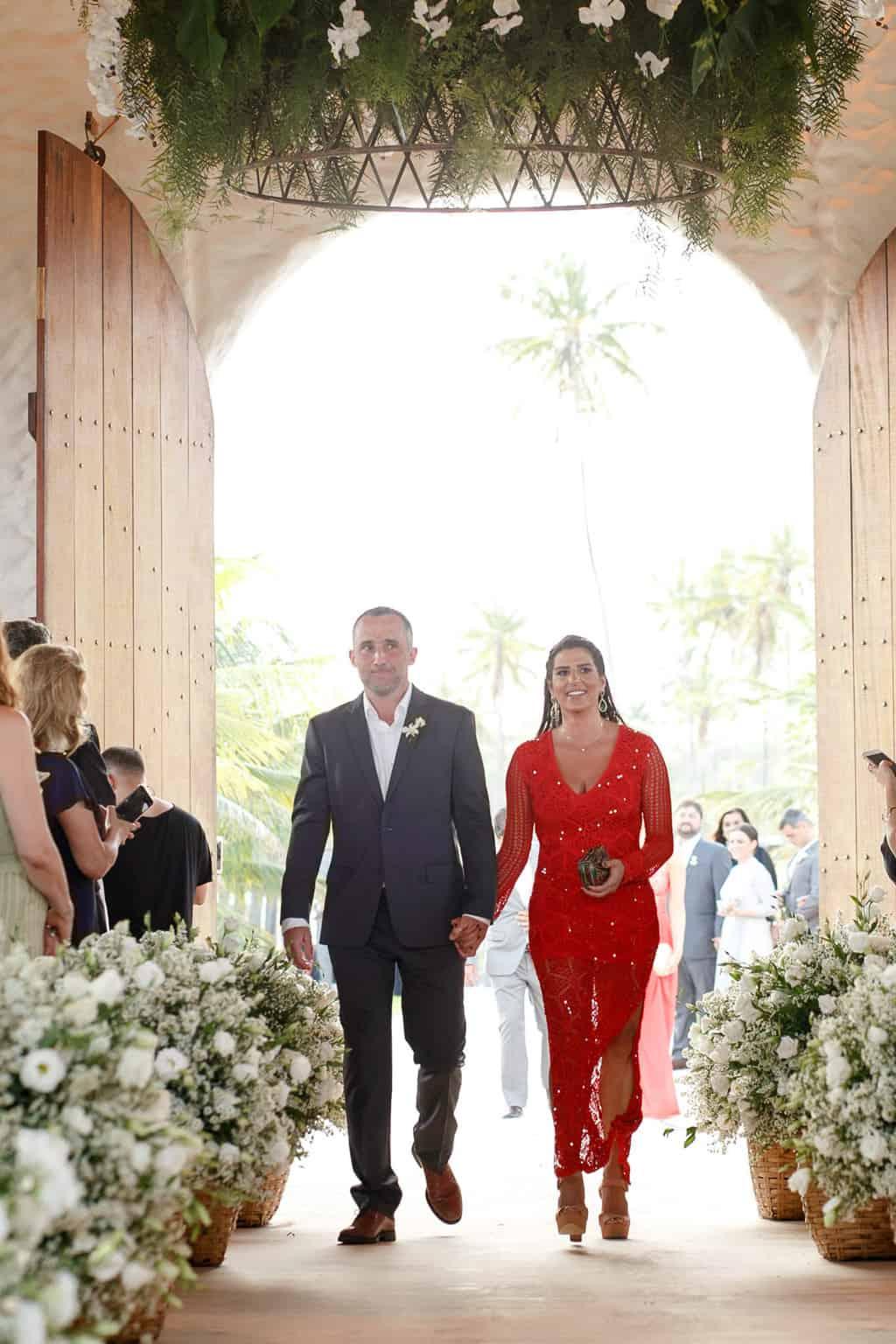 AL-Aline-e-Mauricio-capela-dos-milagres-casamento-casamento-na-praia-cortejo-madrinhas-padrinhos59