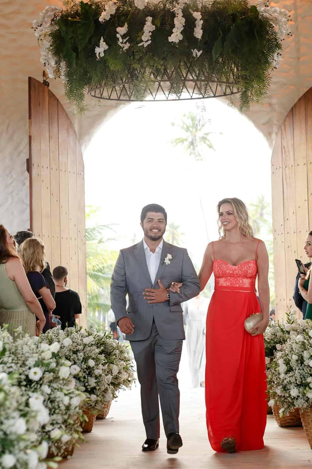 AL-Aline-e-Mauricio-capela-dos-milagres-casamento-casamento-na-praia-cortejo-madrinhas-padrinhos61