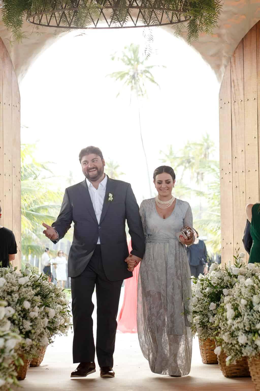 AL-Aline-e-Mauricio-capela-dos-milagres-casamento-casamento-na-praia-cortejo-madrinhas-padrinhos63